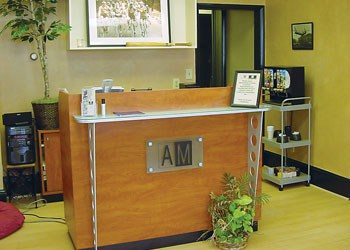 American Male Berwyn Hair Salon main desk